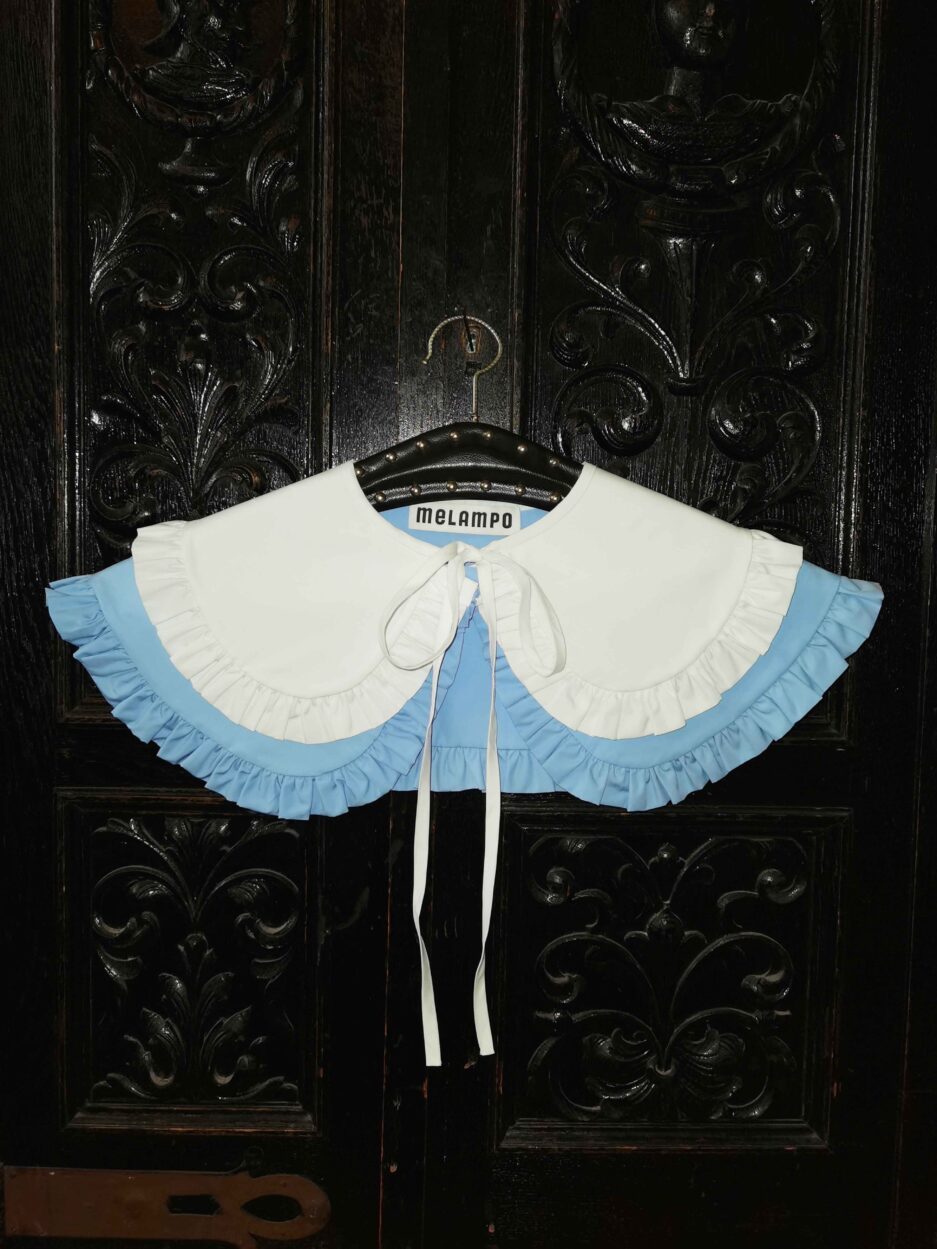 Sky blue and white cotton poplin double penny collar with ruffles and and self tie fastening - photo 4